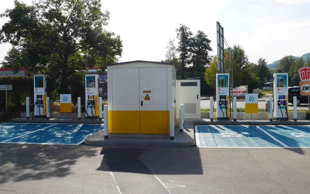 Autohof nimmt E-Tankstellen in Betrieb